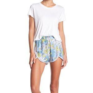 Wildfox Daisy Wallpaper Shorts Size Medium NWT